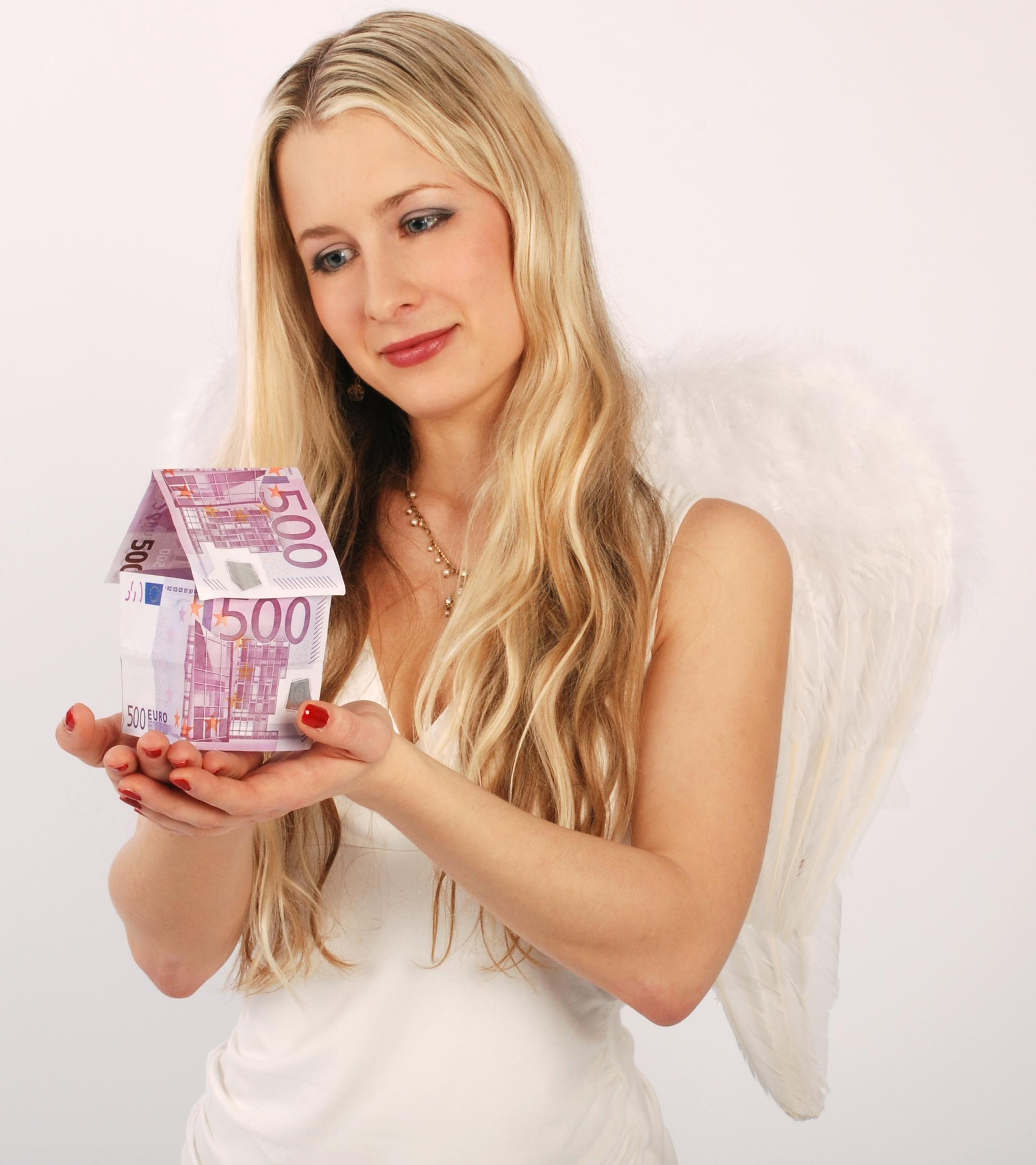 Engel schützt teures Eigenheim
